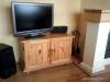 Obývací pokoj z masivu - skříňka pod televizi